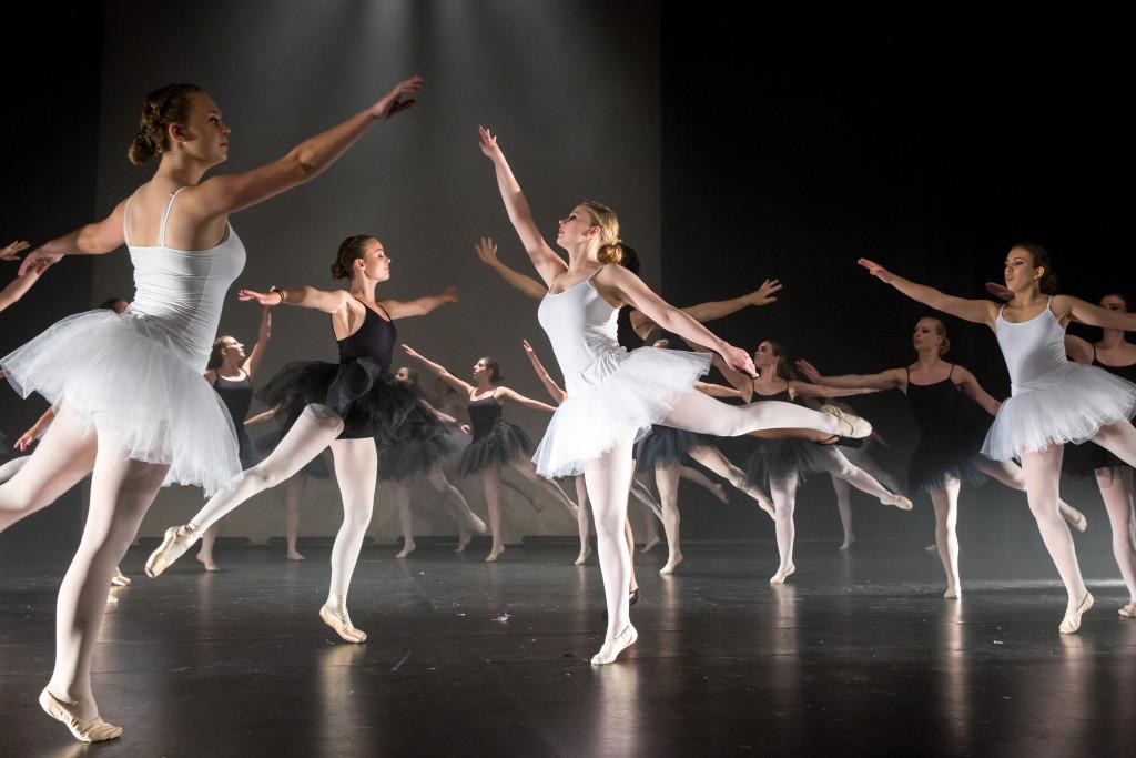1045_danstheaterstudio-annemieke-bais_close-to-you-fotografie